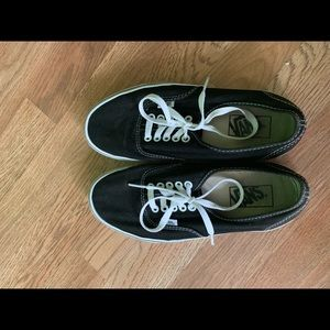 Black and white vans women's/men's